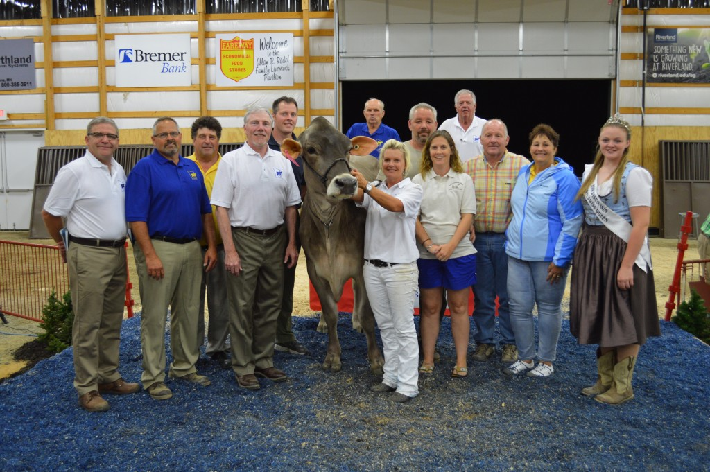High Seller Minnesota National Sale Holyland Twillght Keeps 2332. $16,000. Consigned by Joe Loehr, WI and Purchased by Roger, Lori Read & Family.